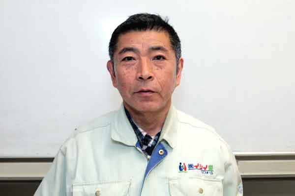 課長青木 健次(あおき けんじ)